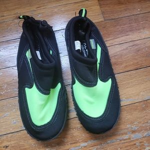 Water shoes for boys